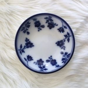 Williams Sonoma Classic Blue and White China Plate